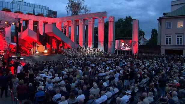 Rocznica Powstania Warszawskiego z Apelem Pamięci TVN24