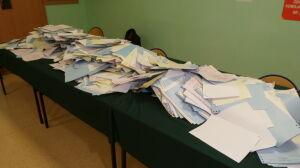 Komisje wyborcze przerwały prace. Wrócą we wtorek rano