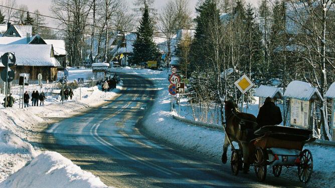 Miejscami śnieg na drogach