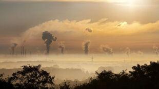 """""""Jednolity i miarodajny"""". Projekt walki ze smogiem przyjęty przez rząd"""
