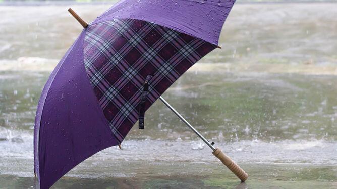Pogoda na sobotę: wiele miejsc z deszczem. Silnie powieje